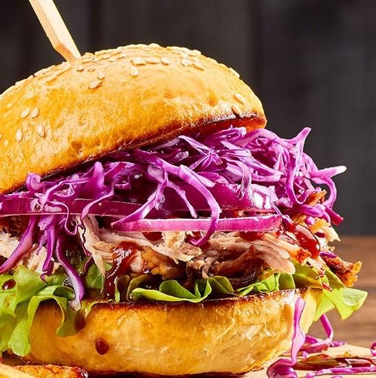 przepis Wegetariański burger z jackfruita z salsą meksykańską